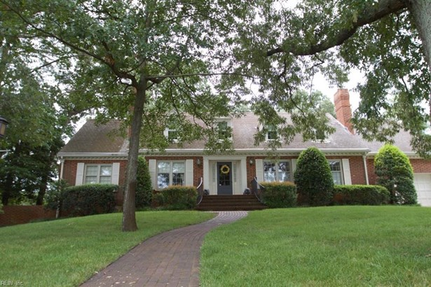 Cape Cod,Transitional, Detached,Detached Residential - Virginia Beach, VA (photo 1)