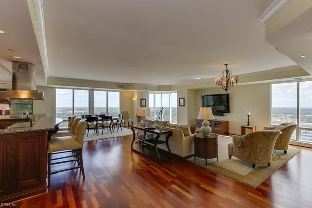 Attached,Attached Residential, High-Rise - Virginia Beach, VA (photo 1)