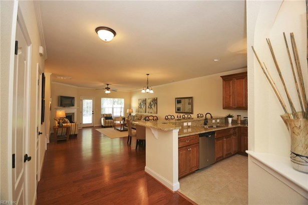 Attached,Attached Residential, Townhouse - Gloucester County, VA (photo 4)