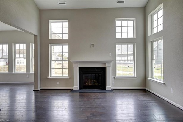 Traditional, Detached,Detached Residential - Chesapeake, VA (photo 4)