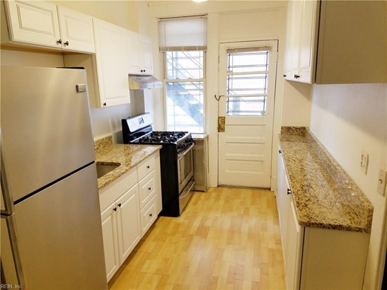 Attached,Attached Residential, Traditional - Norfolk, VA (photo 5)