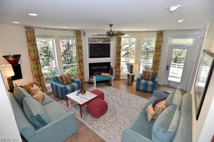 Attached,Attached Residential, 2 Unit Condo,Contemp - Virginia Beach, VA (photo 2)