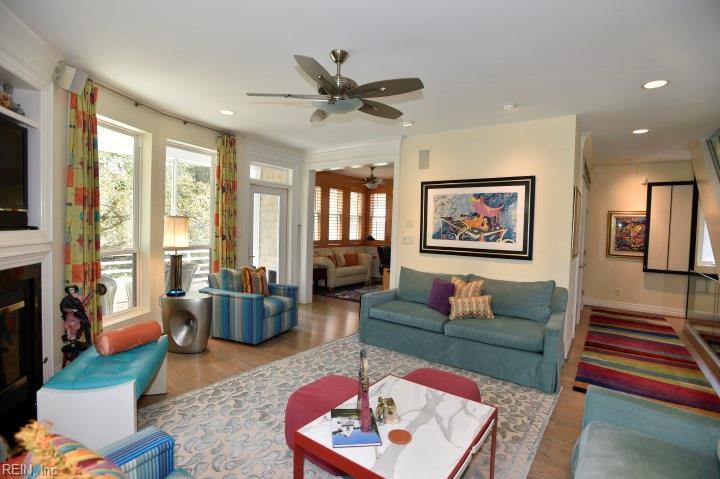 Attached,Attached Residential, 2 Unit Condo,Contemp - Virginia Beach, VA (photo 4)