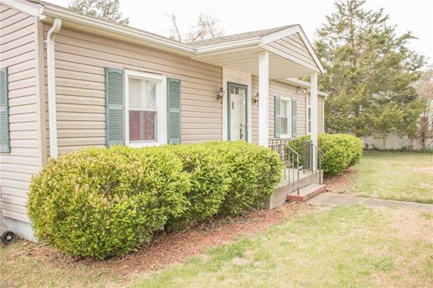 Detached,Detached Residential, Bungalow - Franklin, VA (photo 3)