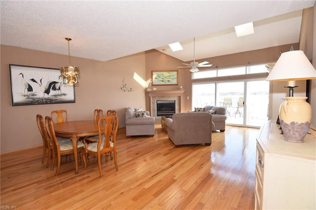 Attached,Attached Residential, Contemp,Townhouse - Norfolk, VA (photo 3)