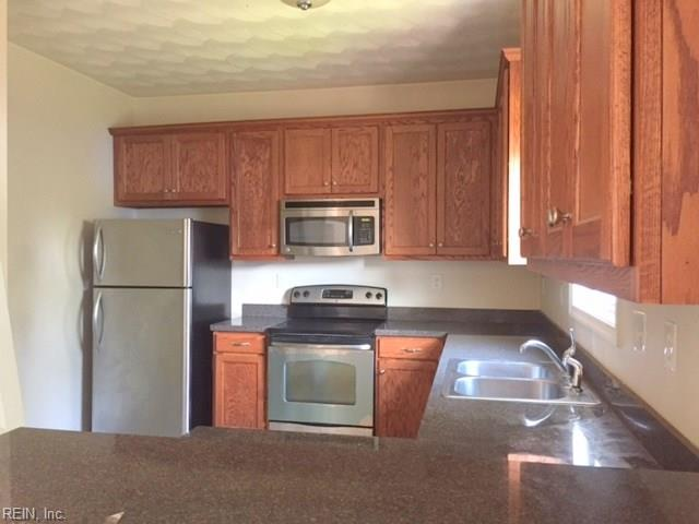 Attached,Attached Residential, 2 Unit Condo - Norfolk, VA (photo 2)
