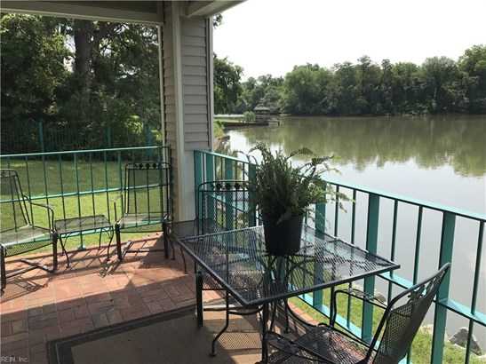 Attached,Attached Residential, Contemp,Lo Rise - Hampton, VA (photo 1)