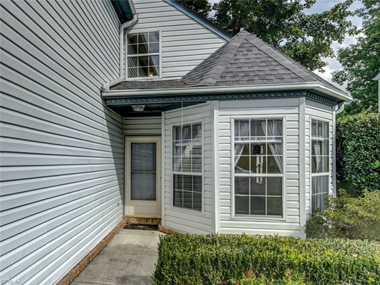 Transitional, Detached,Detached Residential - York County, VA (photo 4)