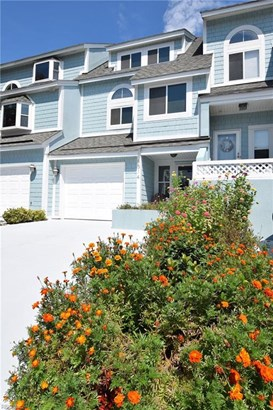 Attached,Attached Residential, Contemp,Townhouse - Norfolk, VA (photo 1)