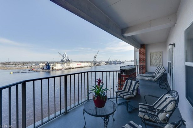 Attached,Attached Residential, High-Rise - Portsmouth, VA (photo 2)
