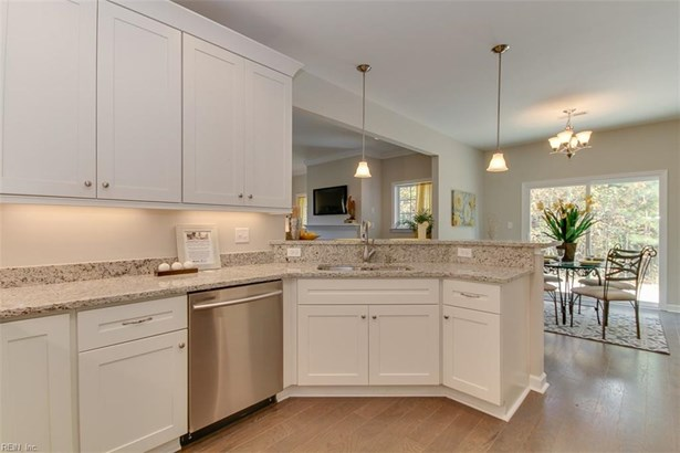 Traditional, Detached,Detached Residential - Suffolk, VA (photo 3)
