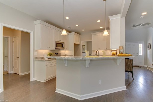Traditional, Detached,Detached Residential - Suffolk, VA (photo 4)