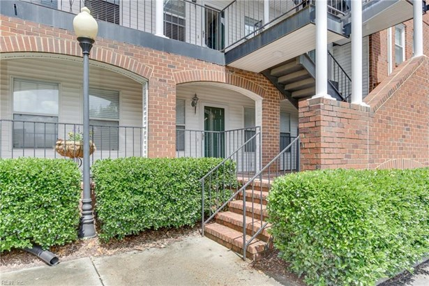 Attached,Attached Residential, Apartment,Lo Rise - Norfolk, VA (photo 1)