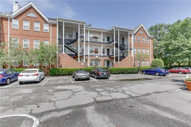 Attached,Attached Residential, Apartment,Lo Rise - Norfolk, VA (photo 2)
