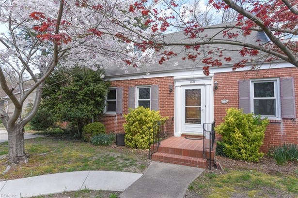 Detached,Detached Residential, Cape Cod,Traditional - Portsmouth, VA (photo 2)