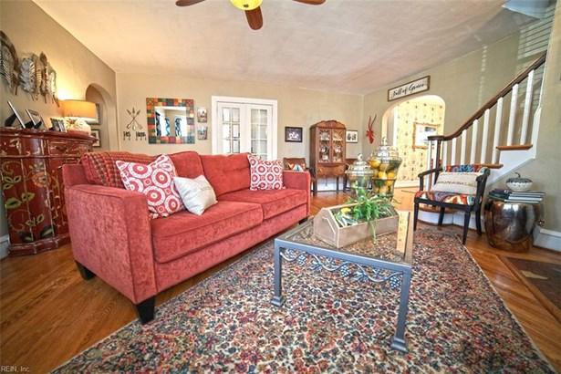Cottage, Detached,Detached Residential - Hampton, VA (photo 3)