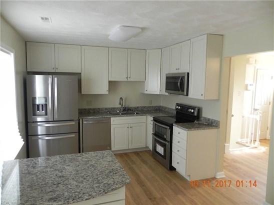 Tri-Level, Detached,Detached Residential - Hampton, VA (photo 2)