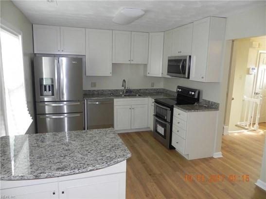 Tri-Level, Detached,Detached Residential - Hampton, VA (photo 3)