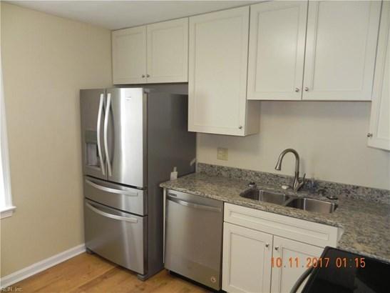 Tri-Level, Detached,Detached Residential - Hampton, VA (photo 5)