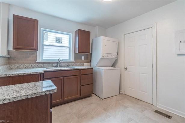 Over/Under, Duplex,Multi Family Residential - Hampton, VA (photo 4)