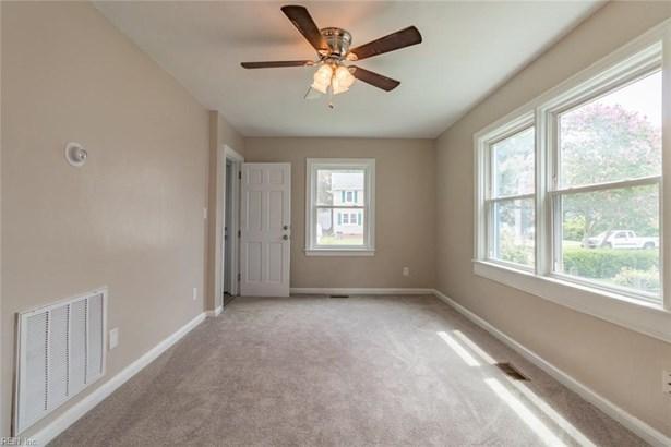 Over/Under, Duplex,Multi Family Residential - Hampton, VA (photo 5)