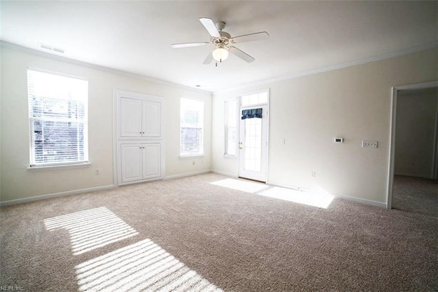 Attached,Attached Residential, Contemp,Townhouse - Newport News, VA (photo 2)