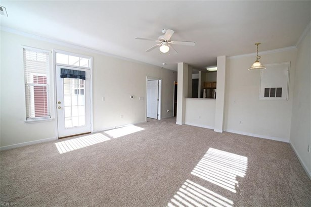 Attached,Attached Residential, Contemp,Townhouse - Newport News, VA (photo 4)
