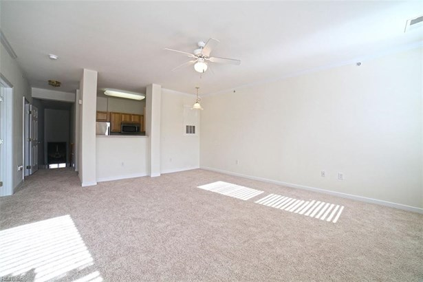 Attached,Attached Residential, Contemp,Townhouse - Newport News, VA (photo 5)