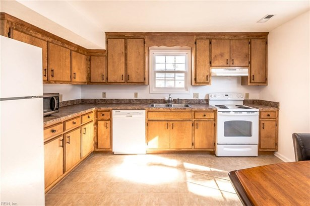 Traditional, Detached,Detached Residential - Hampton, VA (photo 4)