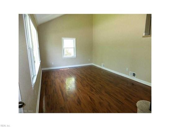 Tri-Level, Detached,Detached Residential - Norfolk, VA (photo 2)