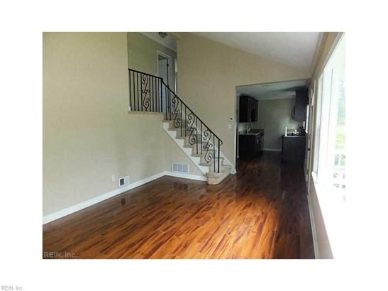 Tri-Level, Detached,Detached Residential - Norfolk, VA (photo 4)