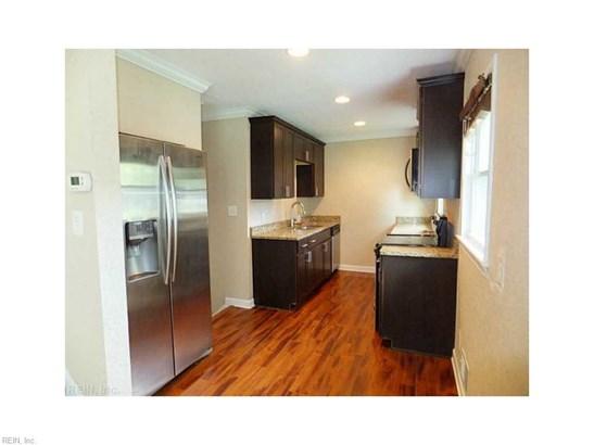 Tri-Level, Detached,Detached Residential - Norfolk, VA (photo 5)