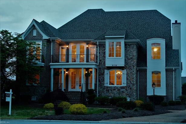 Transitional, Detached,Detached Residential - Suffolk, VA (photo 1)