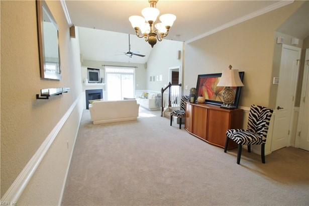 Attached,Attached Residential, Contemp,Townhouse - Virginia Beach, VA (photo 4)