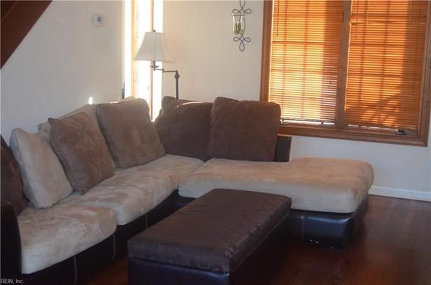 Contemp, Rental,Single Family - Hampton, VA (photo 2)