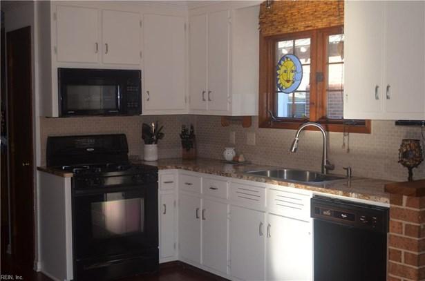 Contemp, Rental,Single Family - Hampton, VA (photo 5)