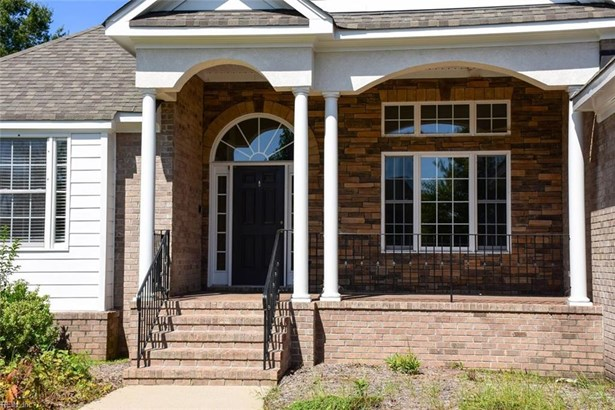 Detached,Detached Residential, Traditional,Transitional - Virginia Beach, VA (photo 4)
