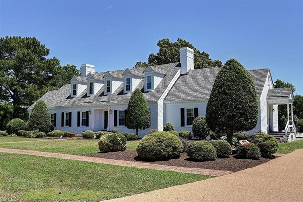 Farmhouse, Detached,Detached Residential - Chesapeake, VA (photo 1)