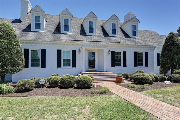 Farmhouse, Detached,Detached Residential - Chesapeake, VA (photo 2)