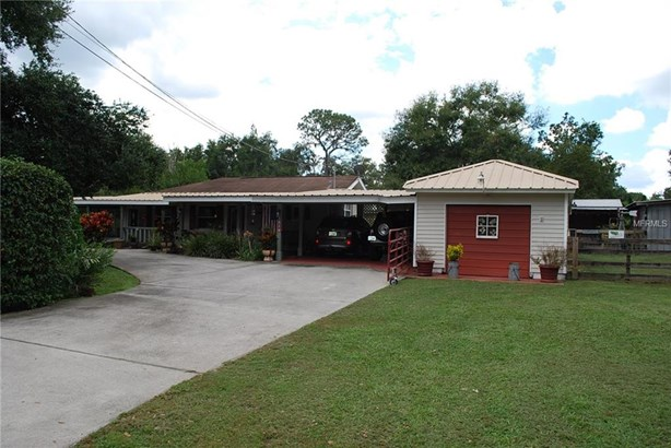 Ranch,Traditional, Single Family Residence - DOVER, FL