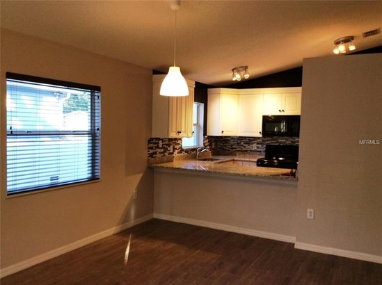 Single Family Residence, Bungalow - TAMPA, FL (photo 5)