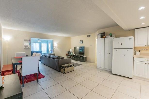Condominium - TAMPA, FL (photo 5)