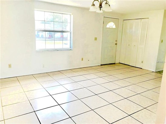 Single Family Home, Ranch - TAMPA, FL (photo 2)