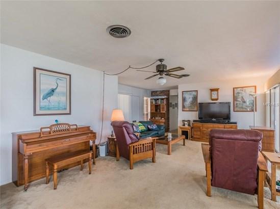 Single Family Residence - ST PETERSBURG, FL (photo 4)