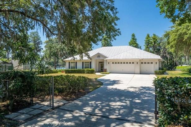 Single Family Residence, Ranch - ODESSA, FL