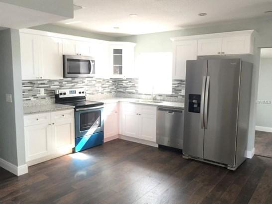 Single Family Residence, Ranch - BRANDON, FL (photo 3)