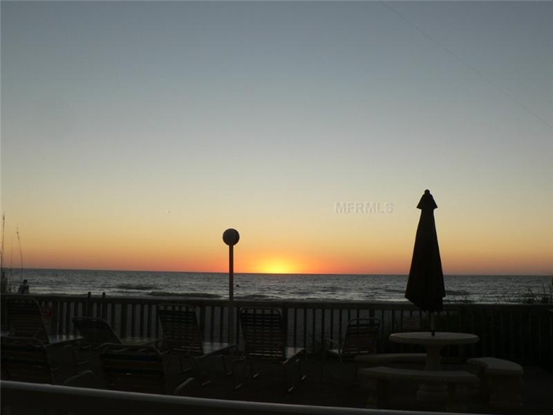 Condominium - INDIAN ROCKS BEACH, FL (photo 3)