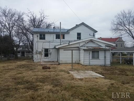 Single Family Residence, Two Story - Buena Vista, VA (photo 3)