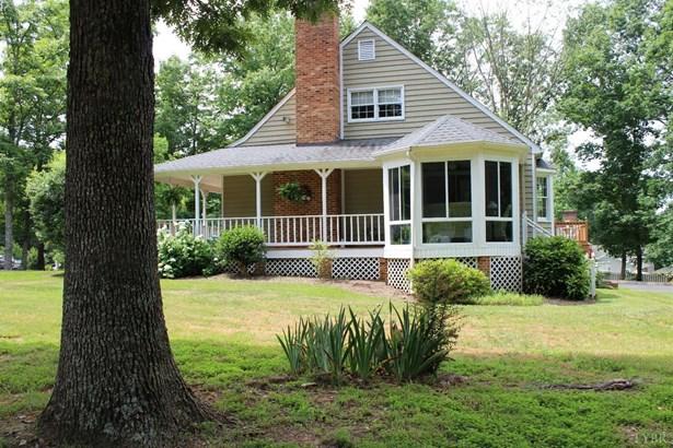 Cape Cod, Single Family Residence - Appomattox, VA (photo 2)