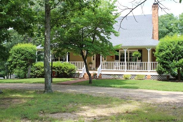 Cape Cod, Single Family Residence - Appomattox, VA (photo 4)